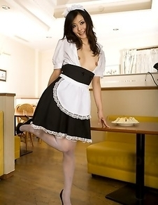 Maid Mai Mizusawa gets really busy