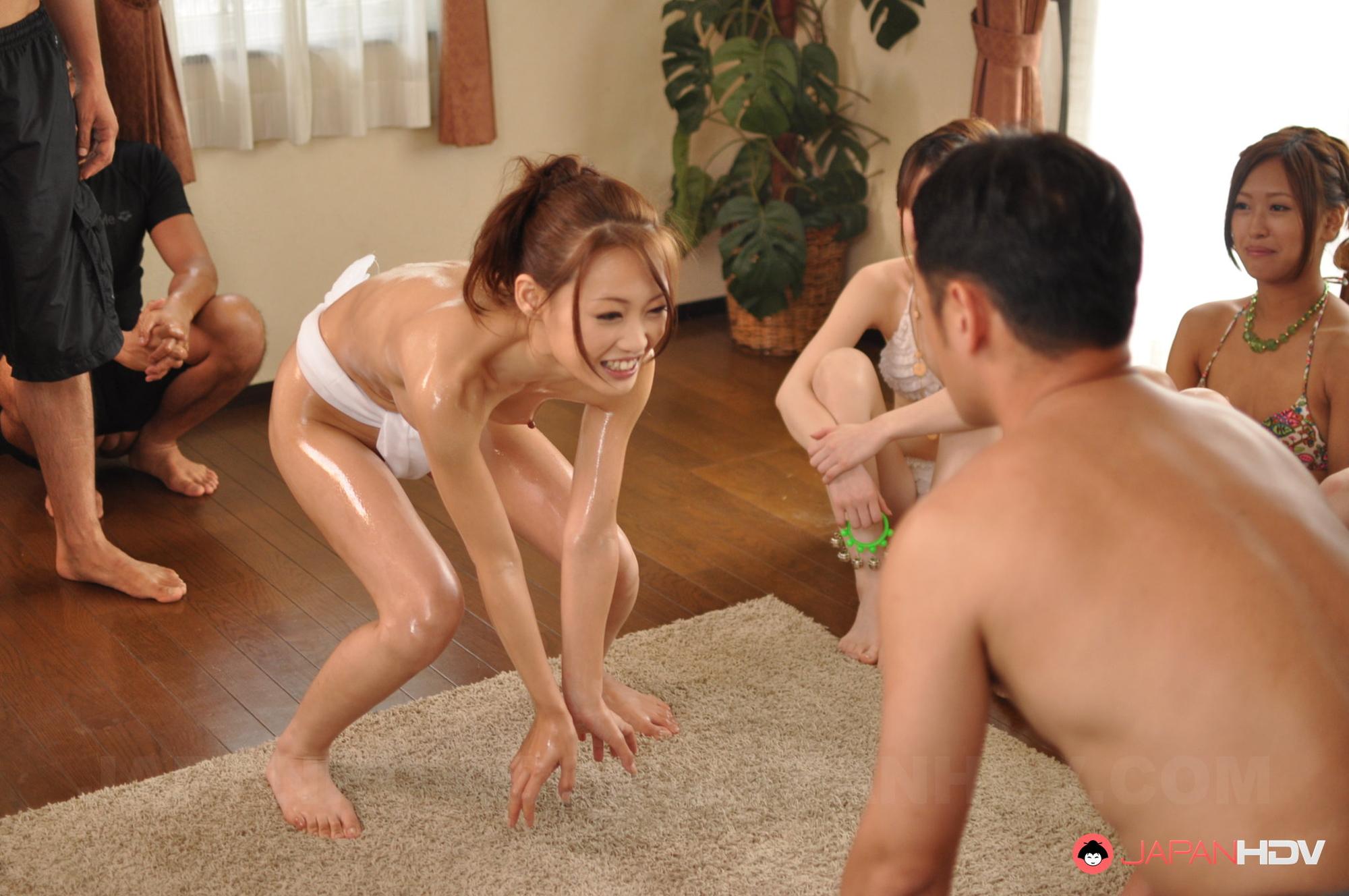 Секс приколы японские, Бесплатное порно * Японское смешное порно 16 фотография